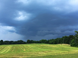 shelf cloud near Bedford